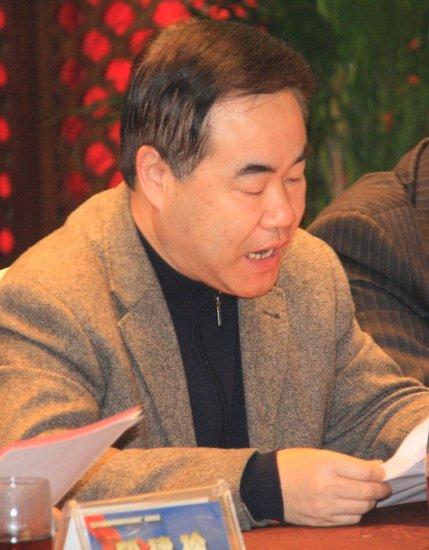 四川日报报业集团党委书记董事长余长久致辞