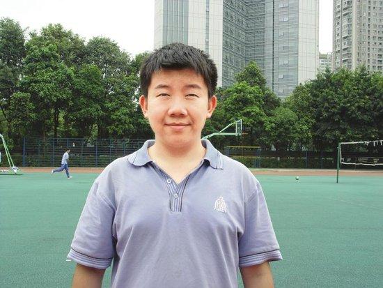 成都17岁男生爱玩游戏 竞赛获奖被保送清华