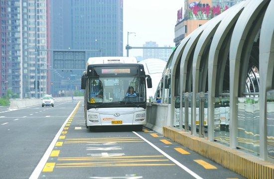 成都BRT公交31日起试运行 11天内免费乘坐(图)