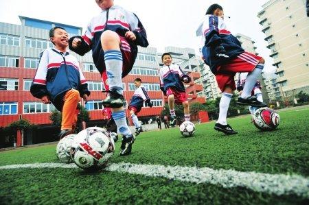 成都足球人口调查:按场地统计约为二三十万