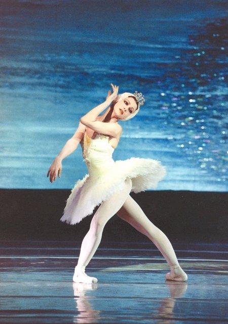 """""""芭蕾公主""""侯宏澜解疑经典舞剧《天鹅湖》"""