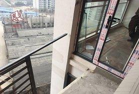 装修工坠楼 业主禁止遗体走电梯楼梯
