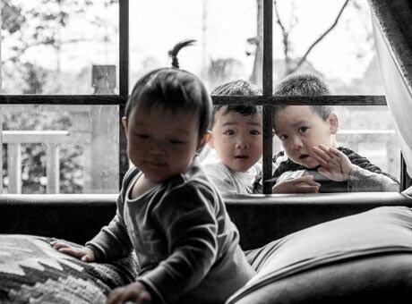 奶爸带着三岁娃过周末 用照片记录娃娃成长的一天