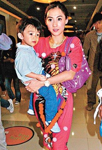 张柏芝5月10日左右生子 Lucas被爆常MJ上身
