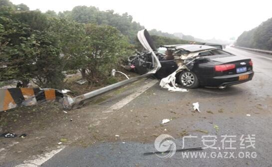 沪蓉高速南充至广安方向发生车祸 女驾驶员当场身亡