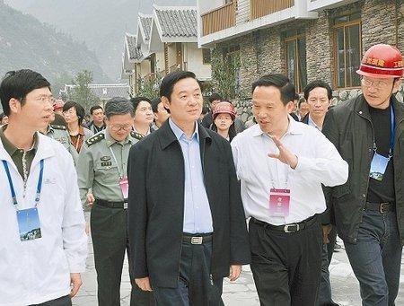 刘奇葆:把新农村建设摆到更加突出的位置