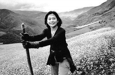 台湾女记者投身四川凉山麻风村教育事业(图)