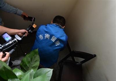 春熙路地铁站内打架被拘5天 两名当事人:后悔莫及