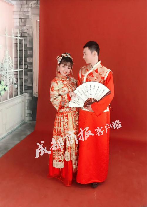 网红拉面小哥娶了他的迷妹:女子为爱来蓉辞去原工作
