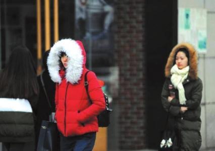 成都气温陡降冷得不像话 维持在2-8℃之间
