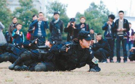成都女子特警队女子特警队罗斌女子特警队