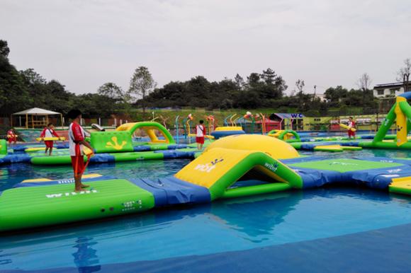 7月15日去松鼠部落玩水 超大嬉水池等你来嗨