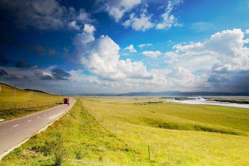 驾游西部美景 中国国际自驾游博览会将启幕
