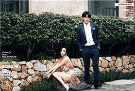 在路边的花台拍婚照 也能拍出时尚感