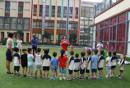 娃娃营教育推出青少年校园足球培养计划