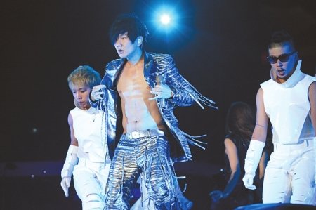 林俊杰与成都歌迷有约 将打造超炫3D舞台特效