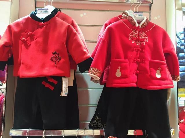 你永远不知道 过年的仪式感也在孩子的新衣上