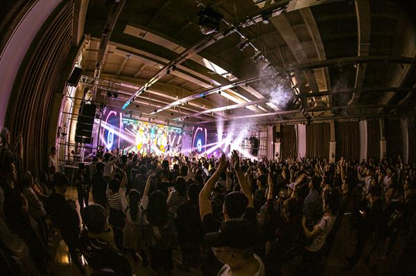 YOLO音乐现场成都巡演 掀小众嘻哈乐文艺复兴