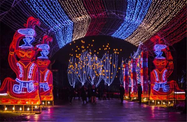 赏花看灯品美食 一秒穿越庞贝古城