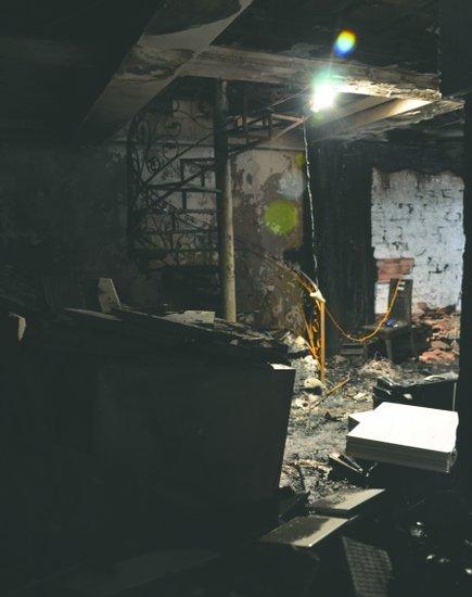 高中生遇害_乐山一小区住户家着火三名高中生遇难图