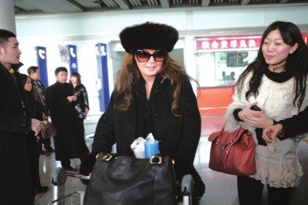 莎拉·布莱曼来京录节目 关心汶川灾区孩子近况