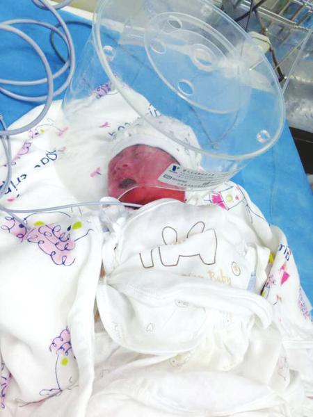 成都一天内两女婴被弃街头 婴儿岛计划搁浅