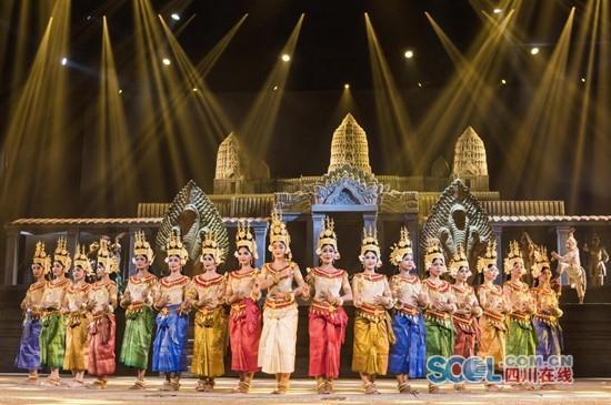 四川大型文旅项目《吴哥王朝》在柬埔寨落成