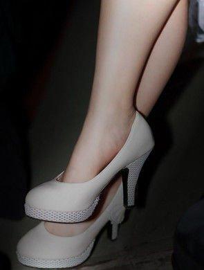 脚模   脚模需穿得进窄型的鞋