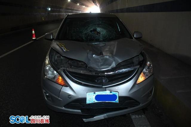 广安7旬老人高速隧道内散步 当场被撞身亡