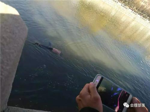凉山会理县河道内发现一具无名女尸 警方介入调查