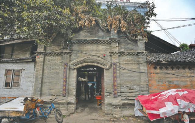 成都40处历史建筑列入保护名录 一处已毁于火灾(图)