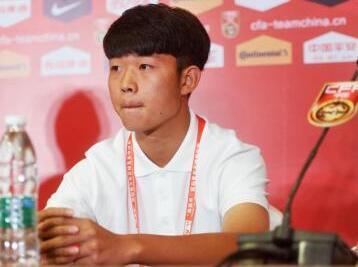 青年欧冠中国第二人 四川小将严鼎皓闪耀葡萄