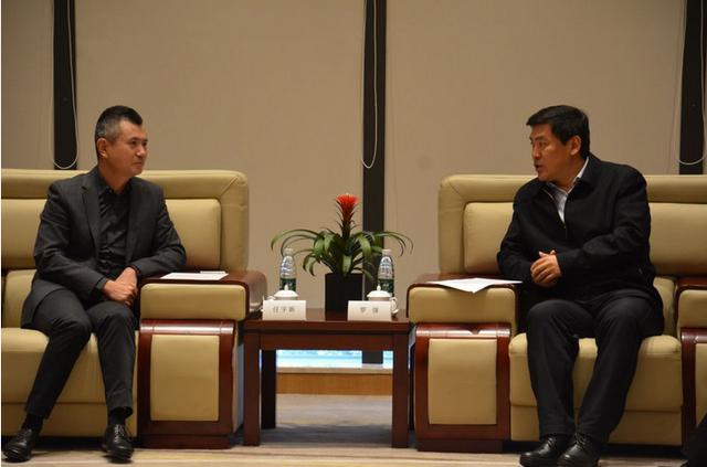 成都市委副书记、市长罗强会见腾讯首席运营官