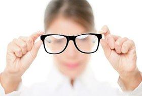 孩子戴眼镜有五大误区