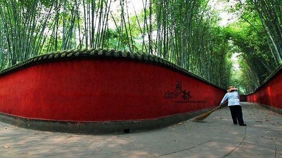 逛锦里访宽窄 成都高票当选最中国文化名城