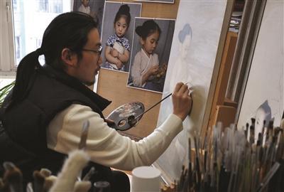 """""""文艺爸爸""""和他画里的小仙女"""