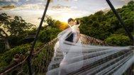 在桥上也能拍的大气婚照