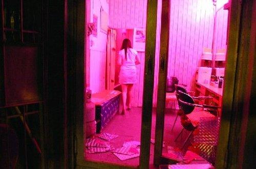 西安地下性产业链调查:黑灯舞厅生态链大揭秘