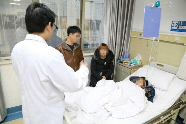 广安9岁男孩患胆囊结石 因不吃早餐爱吃辣条(图)