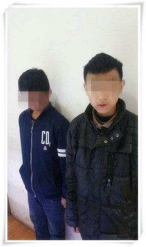 泸州两未成年人盗窃被监控拍下 民警责令父母领回教育