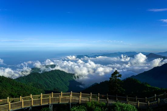 避暑就去西岭雪山 5重优惠让你清凉一夏(图)
