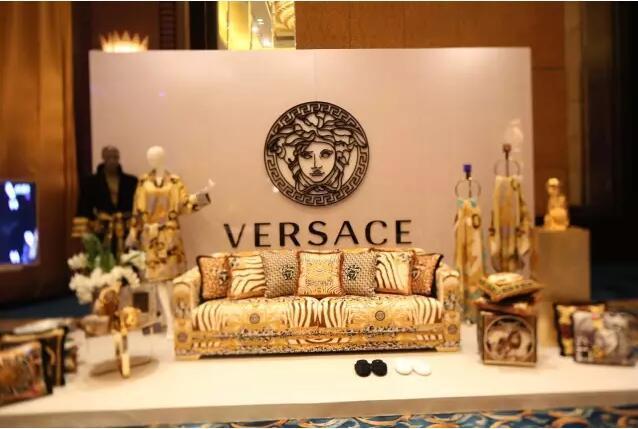 富森美家居进口馆品牌versace亮相保利2017品牌发布会图片