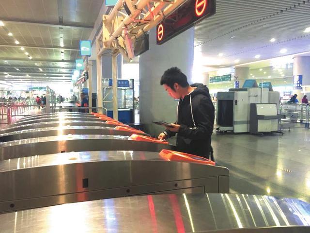 成都东客站:出站乘客换乘地铁不用二次安检