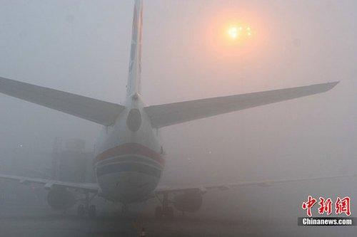双流机场因大雾两度关闭达9小时 已恢复正常