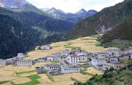 甘孜亚丁村