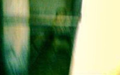 英国游客称在司法博物馆拍到类似鬼魂照(图)