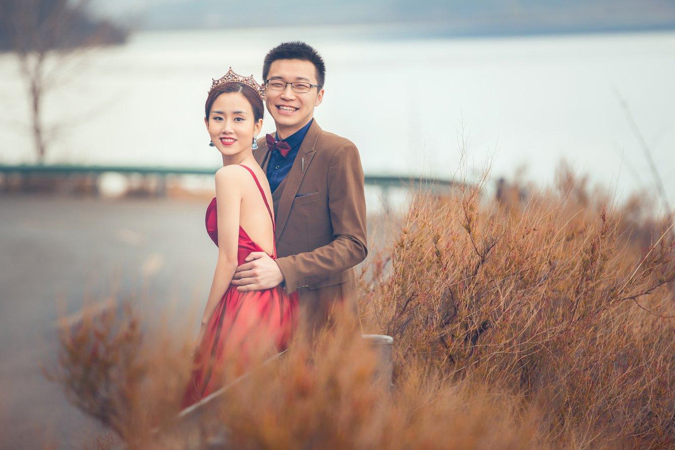 公路边也能拍唯美婚照