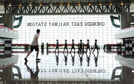 东客站1日正式竣工 设100个窗口63台售票机