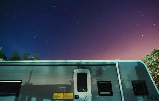 开着房车去吃烤肉看星星 解锁不一样的亲子游