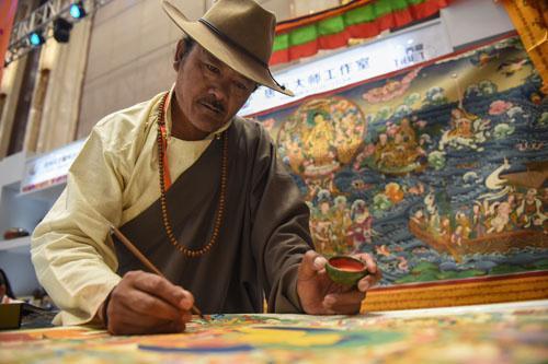 西藏唐卡成收藏家新宠 外媒:传统文化越来越受认可